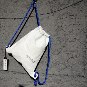 sack white and blue