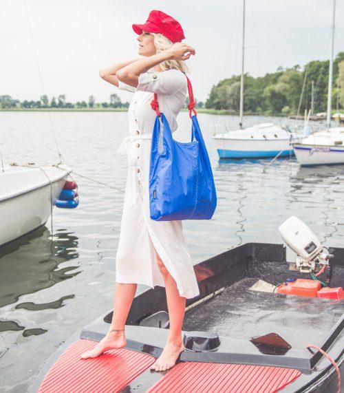 shopper sail bag, niebieska shopperka, niebieska torebka shopper,handbag sail bag, Argentum Yacht Tuning, torba z żagla. torba z żagli, torebka z żagla, lina żeglarska, niebieski żagiel. niebieska torba, lekka torba, torebka na ramię, handmade, recycled handbag, sail bag, sailcloth, blue bag, beach bag, torba plażowa, torba na lato, letnia torba, torba ręcznie szyta, torebka z recyclingu, less waste, torba na jogę, wygodna torba, torebka marynarska, marynarski styl, żeglarski styl, niebieska torebka