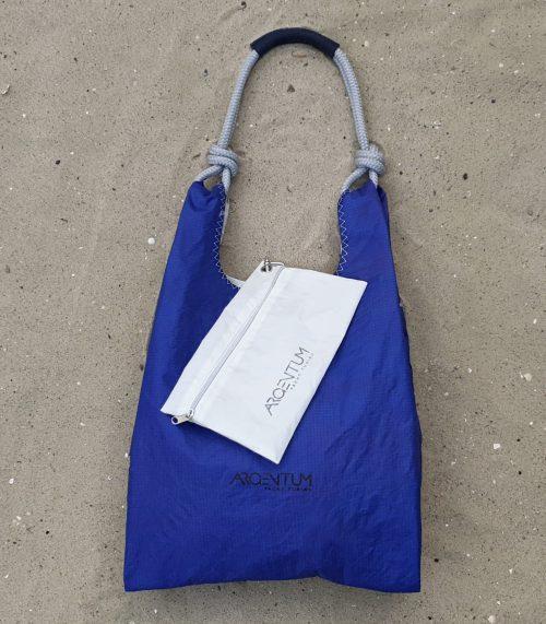 torebki z żagli, niebieski shopper, niebieska torebka shopper,handbag sail bag, Argentum Yacht Tuning, torba z żagla. torba z żagli, torebka z żagla, lina żeglarska, niebieski żagiel. niebieska torba, lekka torba, torebka na ramię, handmade, recycled handbag, sail bag, sailcloth, blue bag, beach bag, torba plażowa, torba na lato, letnia torba, torba ręcznie szyta, torebka z recyclingu, less waste, torba na jogę, wygodna torba, torebka marynarska, marynarski styl, żeglarski styl,