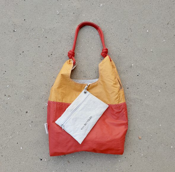 czerwona pomarańczowa torebka damska z żagli